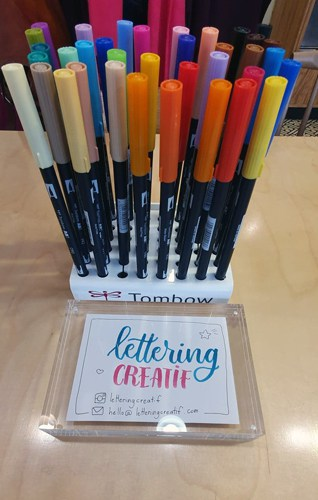 Lettering Créatif, Brush lettering