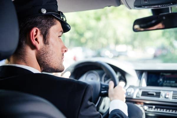 Mon rêve avoir un chauffeur qui m'emmène partout pendant que je suis en syndrome prémenstruel.
